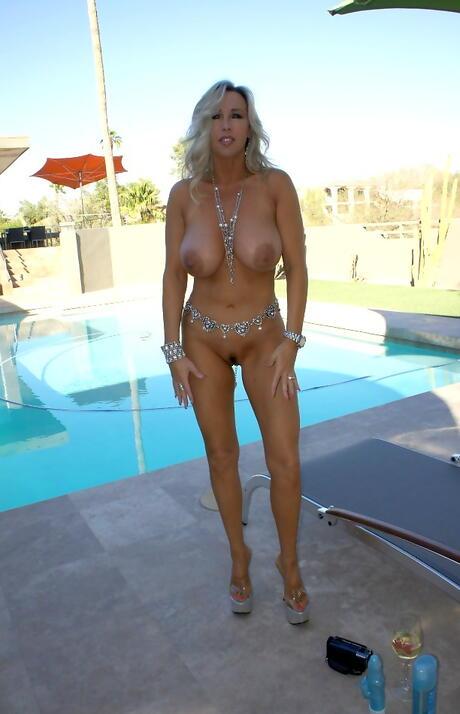 Big Tits Wife Pics
