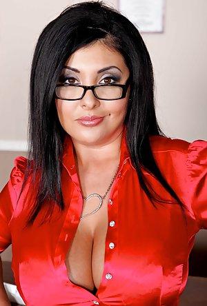 Big Tits in Office Pics