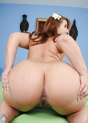 Big Tits Round Ass Pics